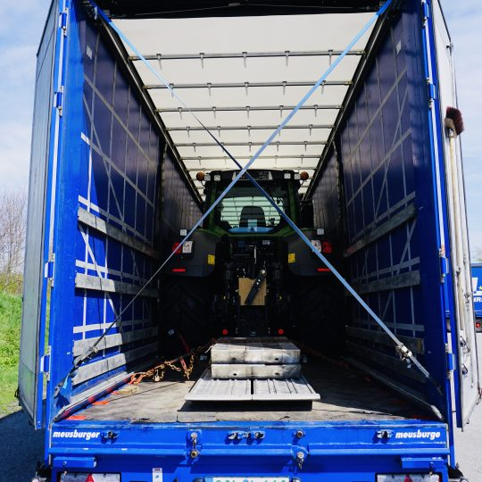 https://www.lechzug.de/wp-content/uploads/Traktor_Transporte_Plane-540x540.jpeg
